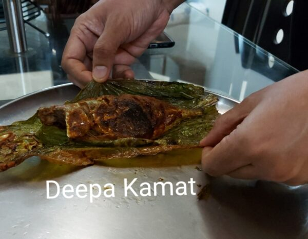Mackerel (Bangda Fish) wrapped in Haldi leaf and pan-fried in Coconut oil